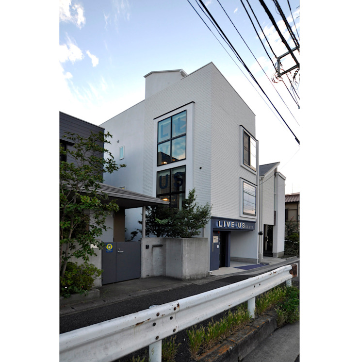 辻史彰建築研究所 Maisons modernes