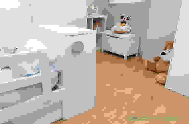 Habitación infantil Nacho y Carlos Dormitorios infantiles de estilo mediterráneo de Ideas Interiorismo Exclusivo, SLU Mediterráneo