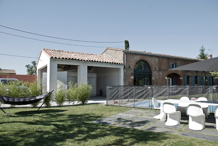 Pool Box Maisons modernes par Munvez Serra Sarl Moderne