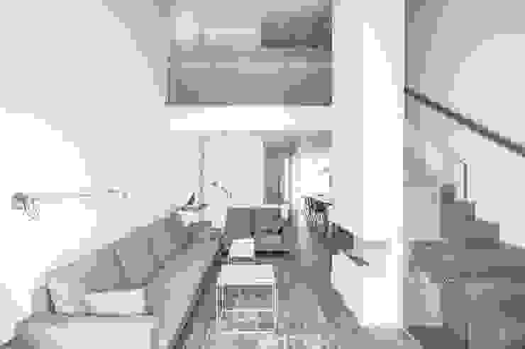 Ático en Valencia Salones de estilo minimalista de Hernández Arquitectos Minimalista