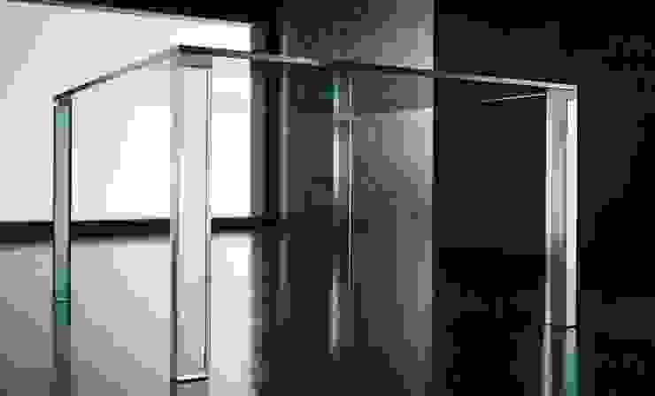 Leonardo Glass Dining Table: modern  by Karen Jane Interiors LLP, Modern