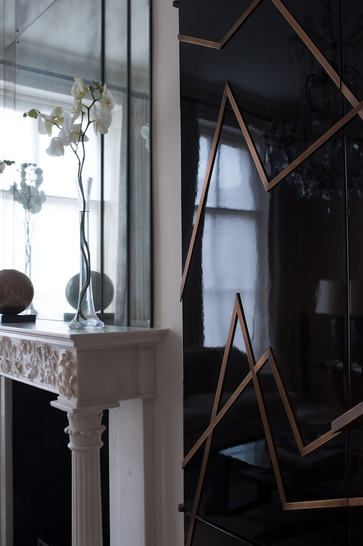 High Gloss Lacquer Modern living room by Rupert Bevan Ltd Modern
