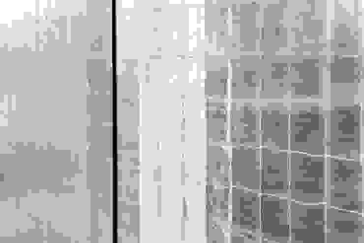 Gilded Cracked Gesso: eclectic  by Rupert Bevan Ltd, Eclectic