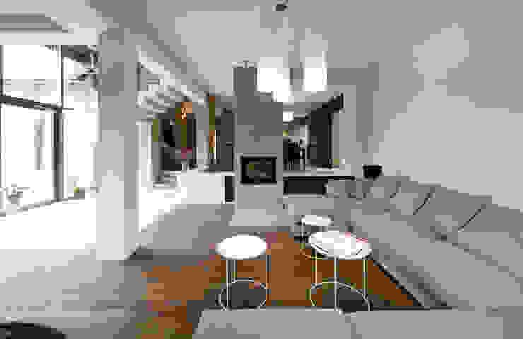 Living room by Pracownia Świętego Józefa, Modern