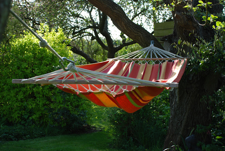 ريفي  تنفيذ Hen and Hammock, بلدي