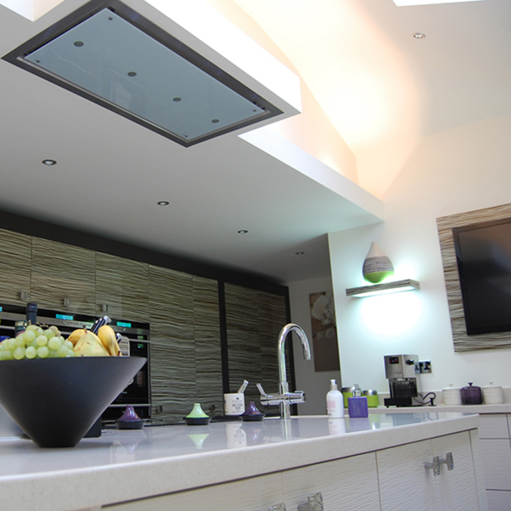 Ceiling mounted extractor Modern kitchen by Nest Kitchens Modern