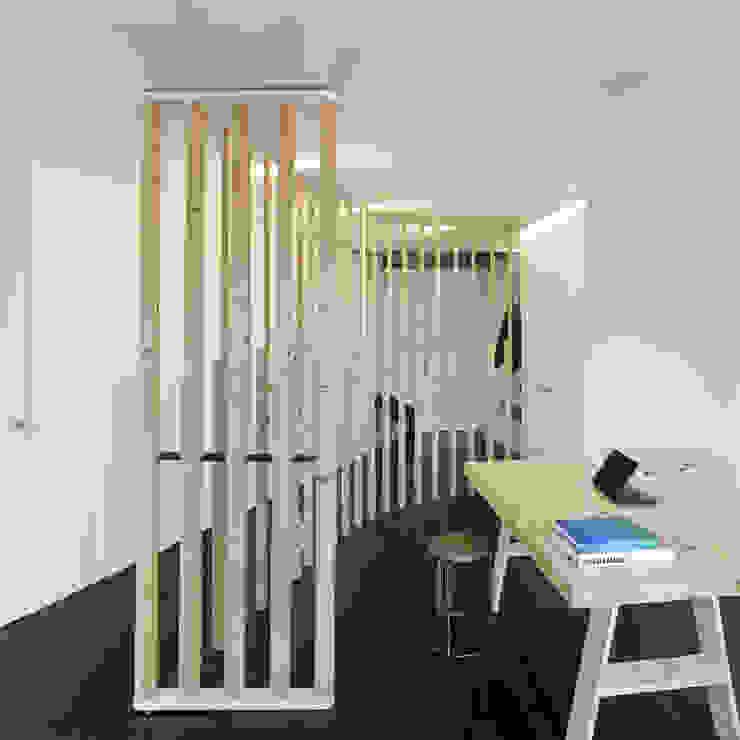 Reforma de apartamento en dos plantas, A Estrada, Pontevedra Estudios y despachos de estilo minimalista de Ameneiros Rey | HH arquitectos Minimalista
