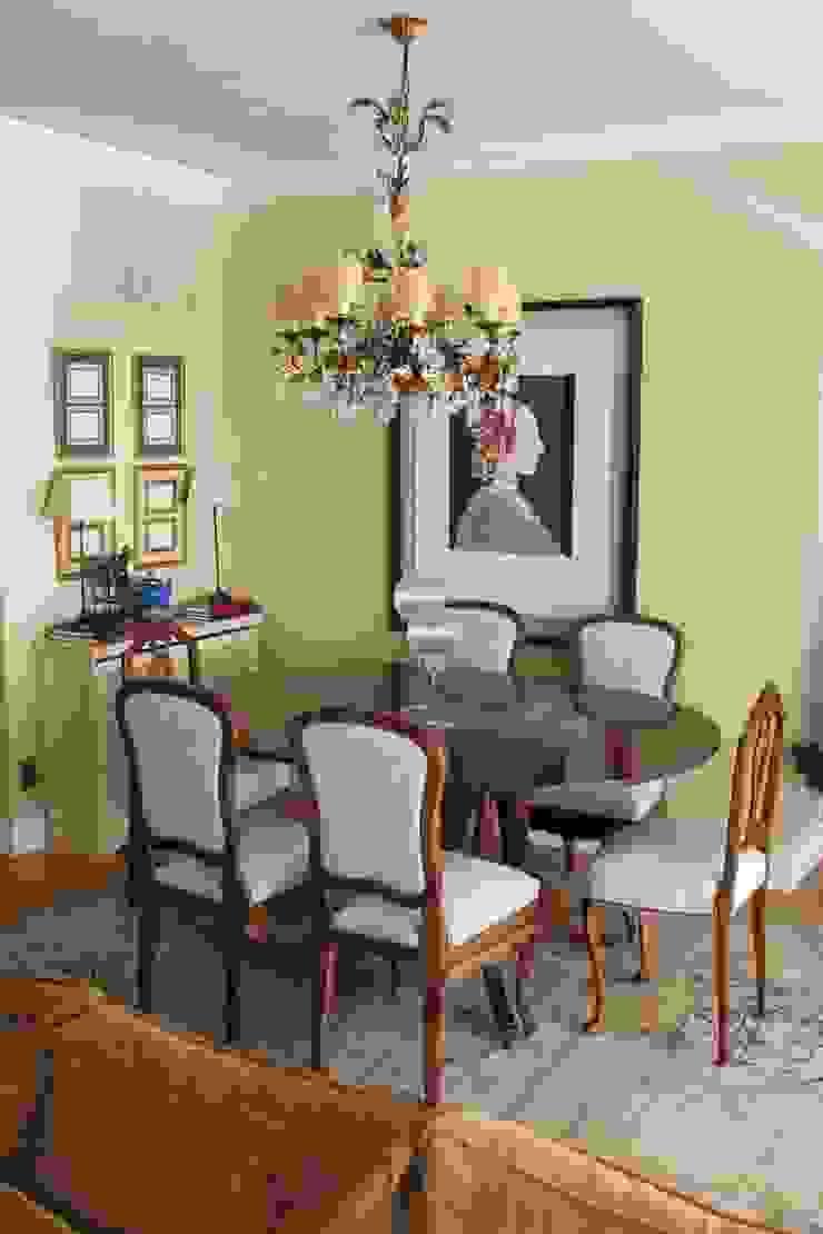 Del trastero al comedor: Restauración de 6 sillas olvidadas de Dominique Restauración