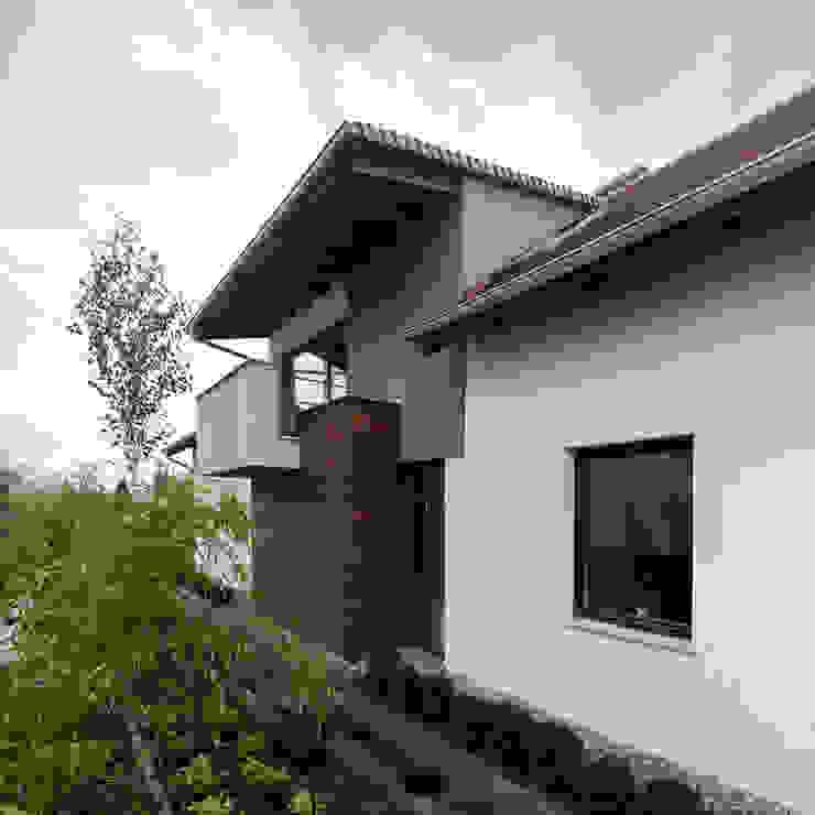 Rustic style house by Pracownia Świętego Józefa Rustic