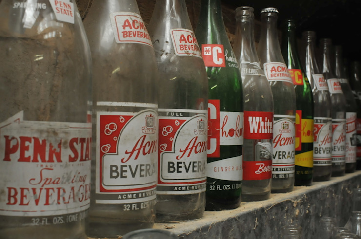 American soda bottles de Tramps (UK) Ltd Industrial