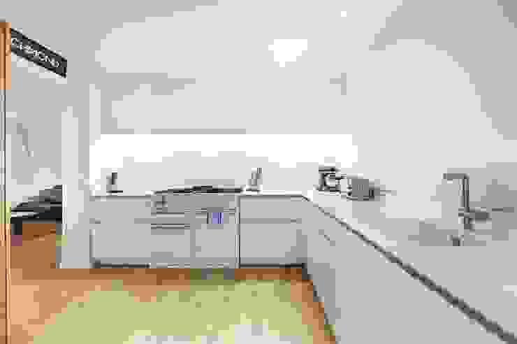 Kitchen: modern  by Belsize Architects, Modern