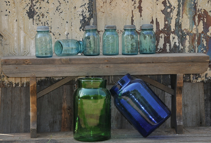 Mason Jars Bar & Club in stile industrial di Tramps (UK) Ltd Industrial