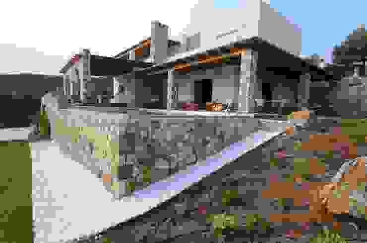 Casas mediterrâneas por CARLO CHIAPPANI interior designer Mediterrâneo