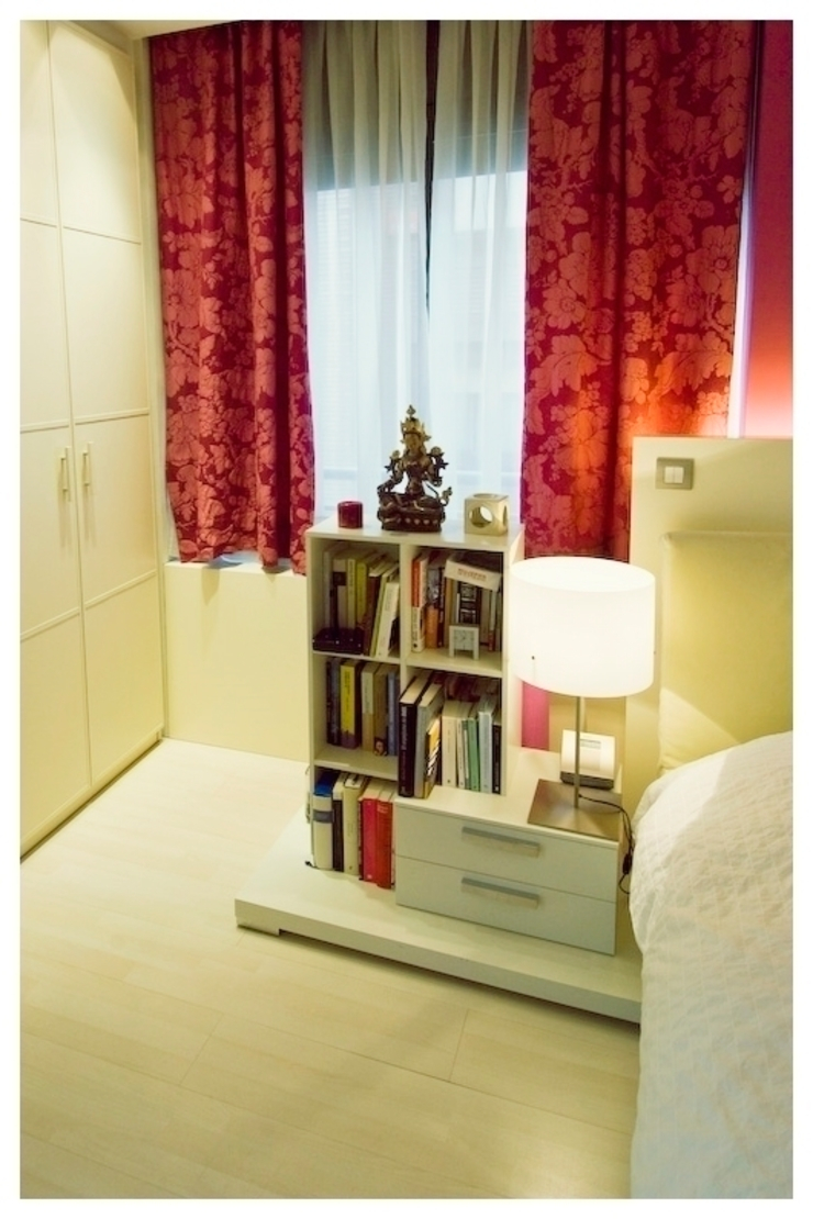 Blanco Dormitorios de estilo ecléctico de Cardellach Interior & Events Ecléctico
