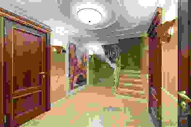 Дизайн-проект интерьера холла (цокольный этаж). Коридор, прихожая и лестница в классическом стиле от ИнтеРИВ Классический