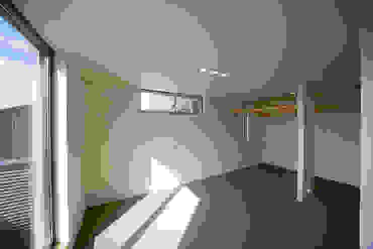 Moderne Schlafzimmer von 一級建築士事務所 想建築工房 Modern