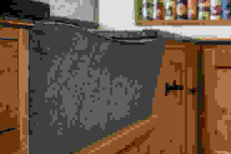 Scoop and drop front sink PAN|brasilia UK Ltd 廚房洗手台與水龍頭