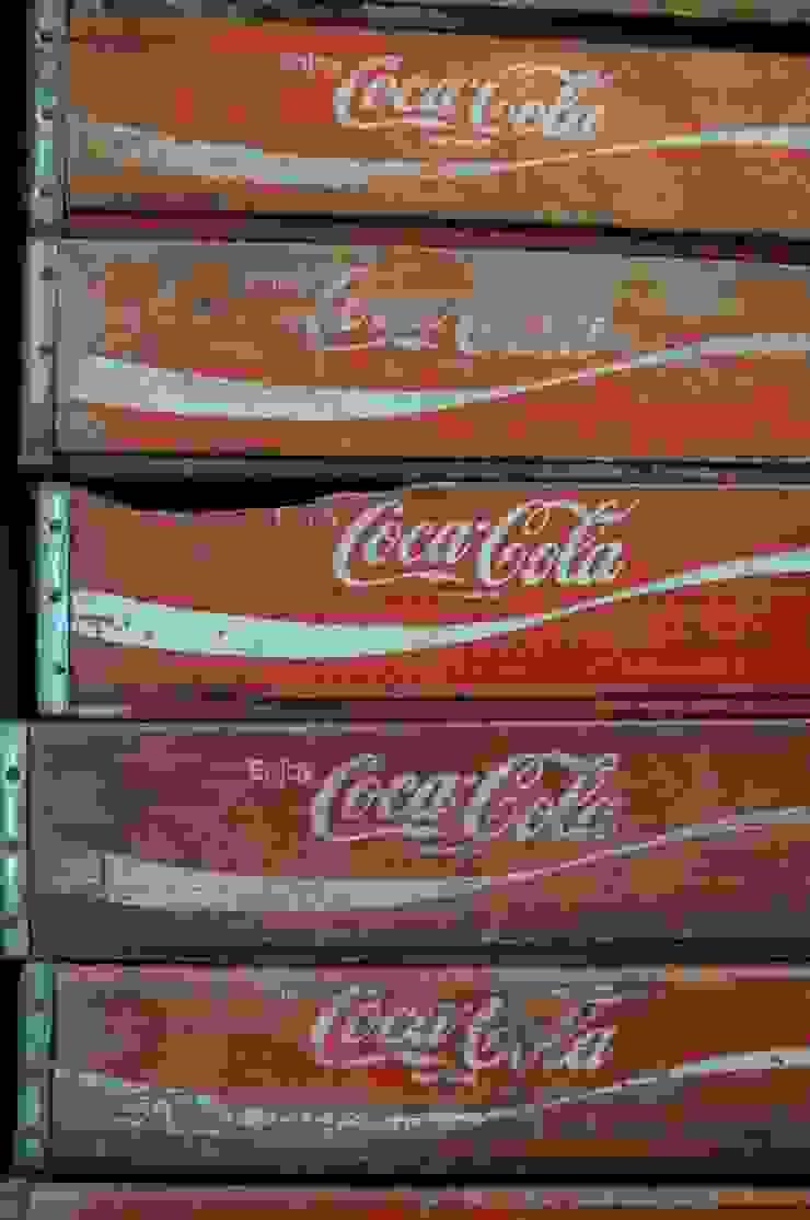 Coke crates: rustic  by Tramps (UK) Ltd, Rustic