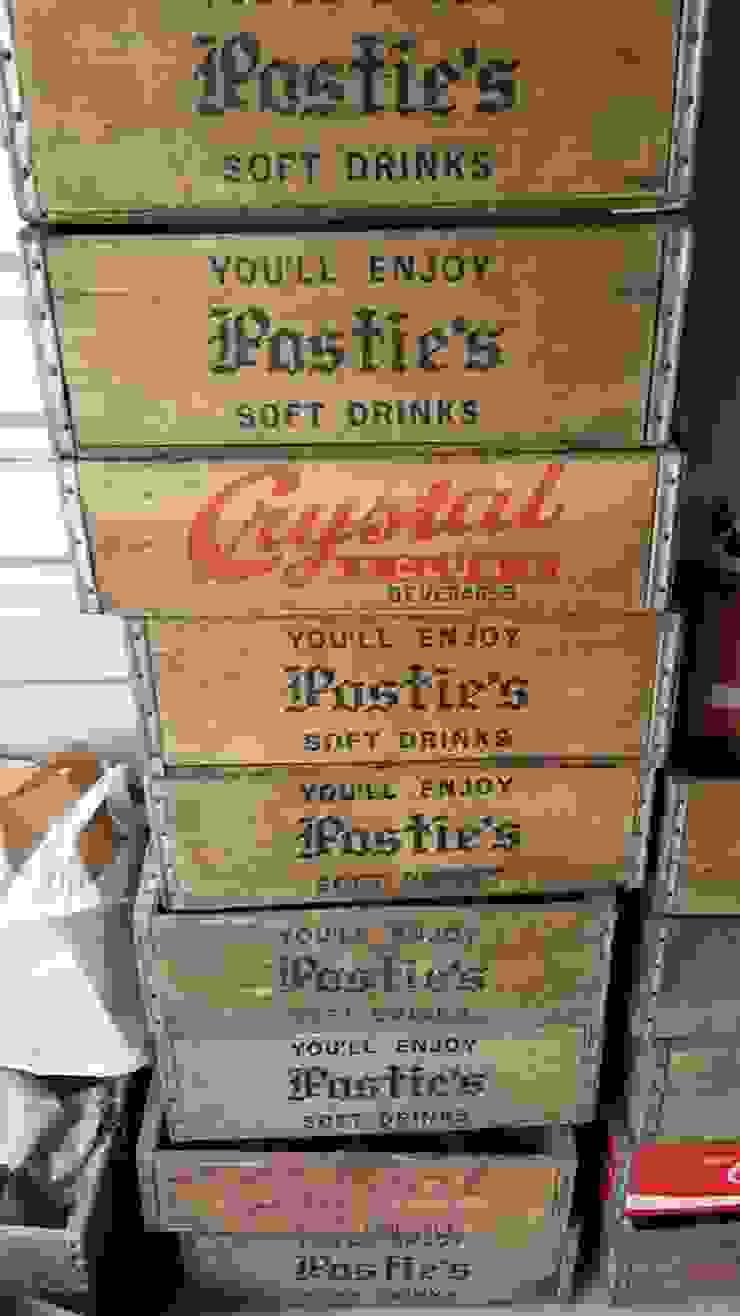 Soda crates: rustic  by Tramps (UK) Ltd, Rustic