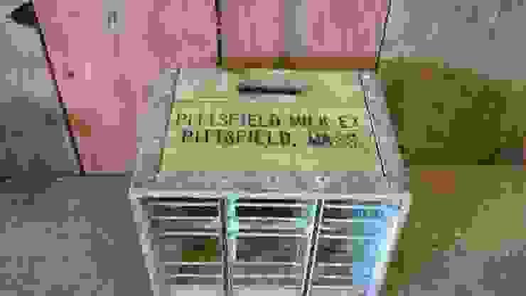 Milk crate: rustic  by Tramps (UK) Ltd, Rustic