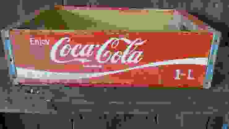 Original vintage Coke crate: rustic  by Tramps (UK) Ltd, Rustic
