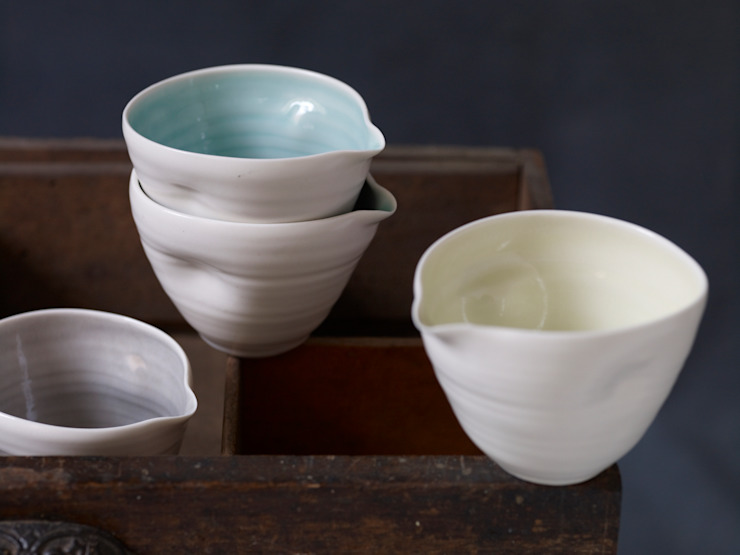 Pouring bowls: modern  by Linda Bloomfield, Modern