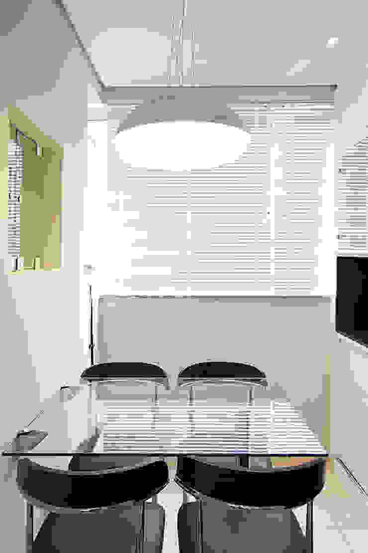 projeto |CM| Varandas, alpendres e terraços modernos por Camila Bruzamolin - arquitetura Moderno