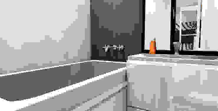 Ванная комната:  в современный. Автор – Мастерская Дизайна, Модерн