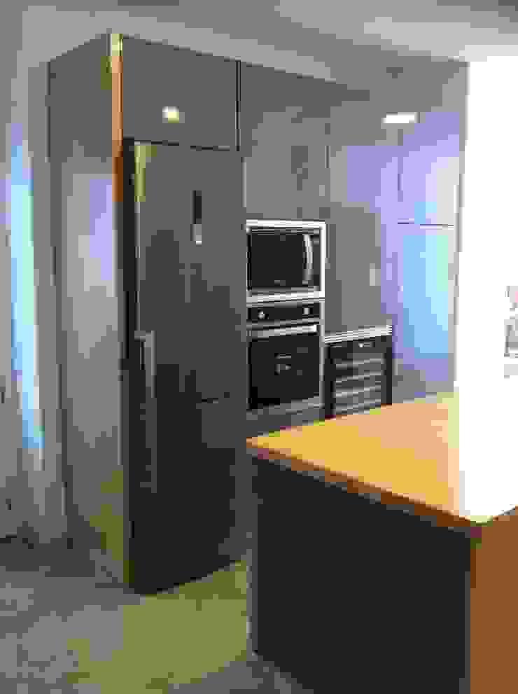 Reforma integral vivienda en Santa Cruz de Tenerife Cocinas de estilo moderno de Tatiana Doria, Diseño de interiores Moderno