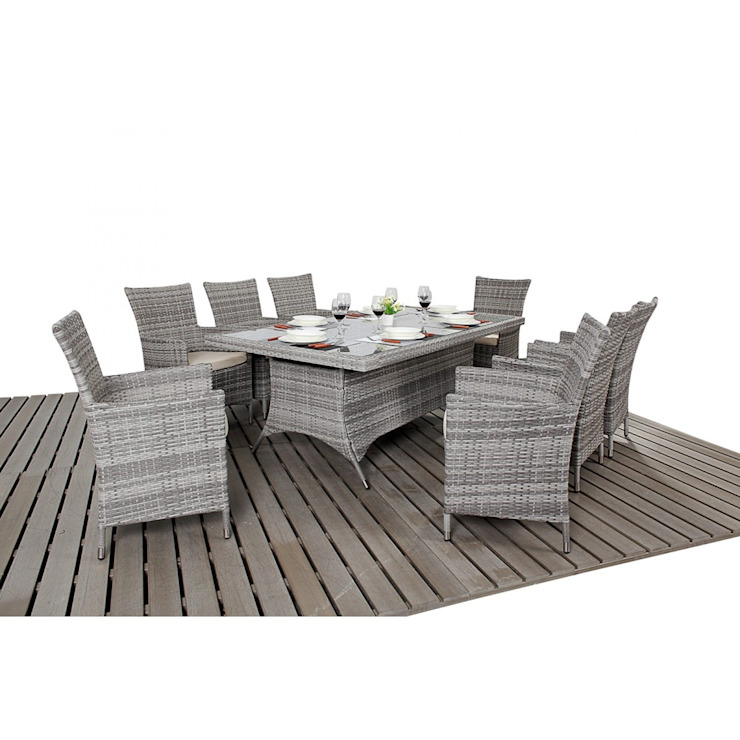 Bonsoni Rustic Rectangle 8 Piece Dining Set With a Rectangular Glasstop Table, Eight Chairs and a Parasol Rattan Garden Furniture homify Kırsal/Country
