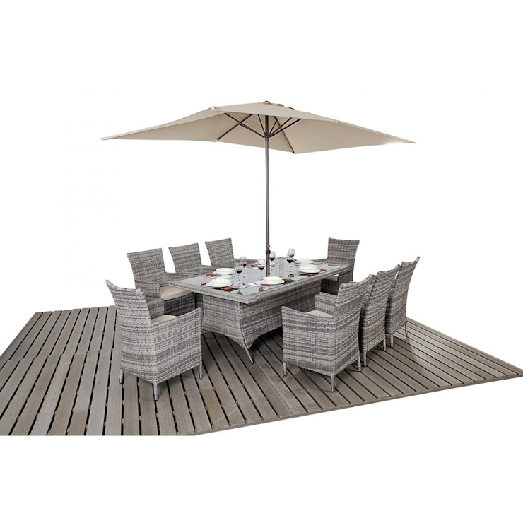 Bonsoni Rustic Rectangle 8 Piece Dining Set With a Rectangular Glasstop Table, Eight Chairs and a Parasol Rattan Garden Furniture por homify Rústico