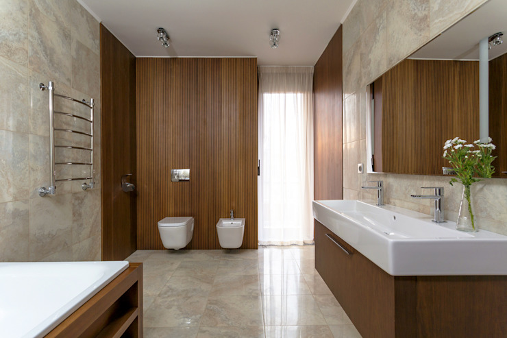 Bathroom by ALEXANDER ZHIDKOV ARCHITECT