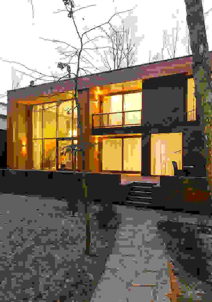 ДОМ В ПОСЕЛКЕ ПОЛИВАНОВО Дома в скандинавском стиле от ALEXANDER ZHIDKOV ARCHITECT Скандинавский