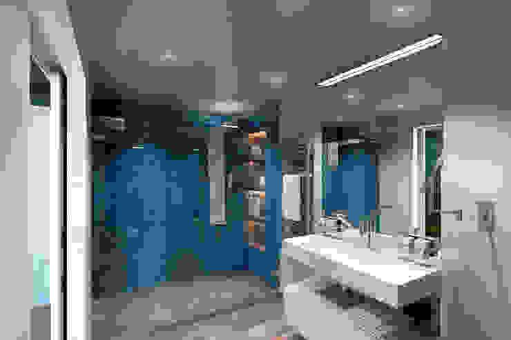 Хозяйский санузел Ванная комната в эклектичном стиле от lab21studio Эклектичный