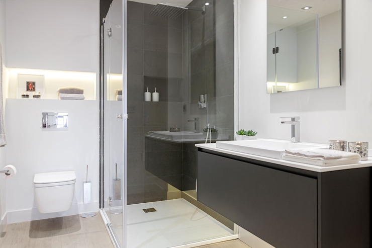 Ванная комната в стиле минимализм от SILVIA REGUERA INTERIORISMO Минимализм