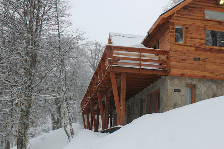 Klassische Häuser von Aguirre Arquitectura Patagonica Klassisch