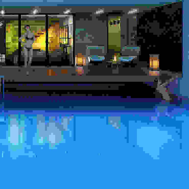 Дом-аквариум Бассейн в стиле минимализм от ALEXANDER ZHIDKOV ARCHITECT Минимализм