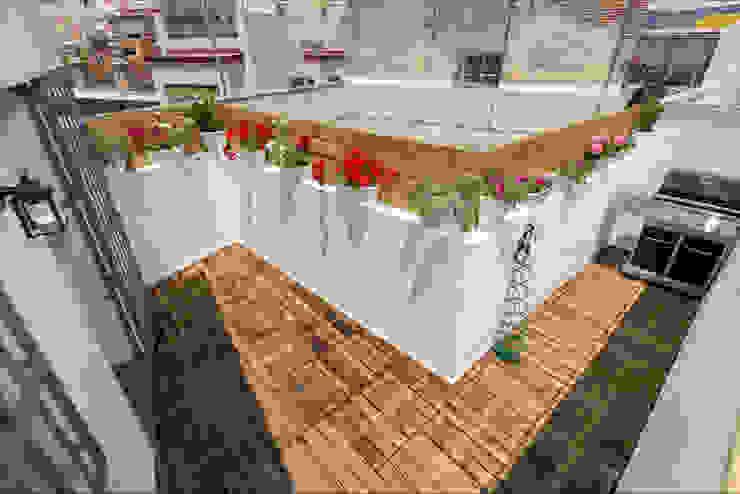 Roof Terrace Балкон и терраса в стиле модерн от Per Hansen Модерн