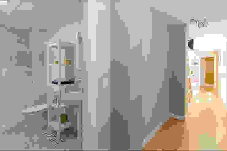 Pasillo Pasillos, vestíbulos y escaleras de estilo moderno de Per Hansen Moderno
