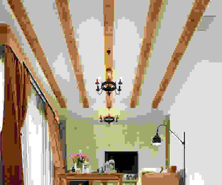 Гостиная в колониальном стиле Гостиная в колониальном стиле от Студия дизайна Interior Design IDEAS Колониальный