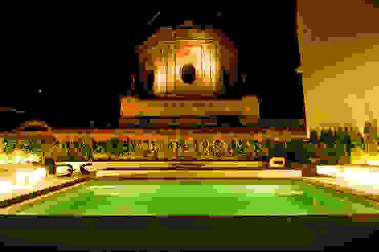 Piscina nocturnas Piletas clásicas de PARQUEARTE Piscinas como iconos de diseño. Clásico