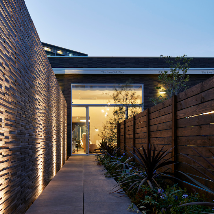 庭 モダンな庭 の Mアーキテクツ|高級邸宅 豪邸 注文住宅 別荘建築 LUXURY HOUSES | M-architects モダン