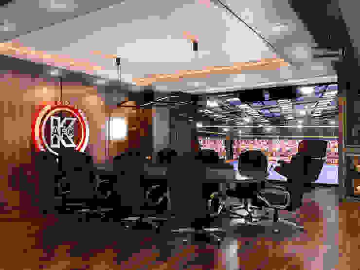 """Дизайн кабинета """"МФК Кайрат"""" Офисные помещения в стиле минимализм от AIR Design Минимализм"""