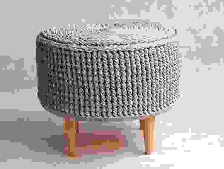 Crochet pouf, knitted ottoman, model PARIS 55cm, material cotton, color 12 van RENATA NEKRASZ art & design Scandinavisch