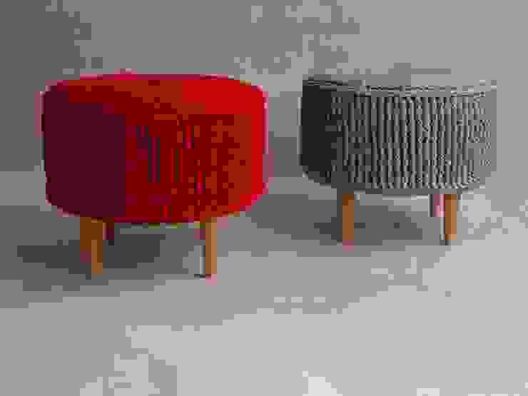 Crochet pouf, knitted ottoman, model PARIS 55cm, material cotton van RENATA NEKRASZ art & design Scandinavisch