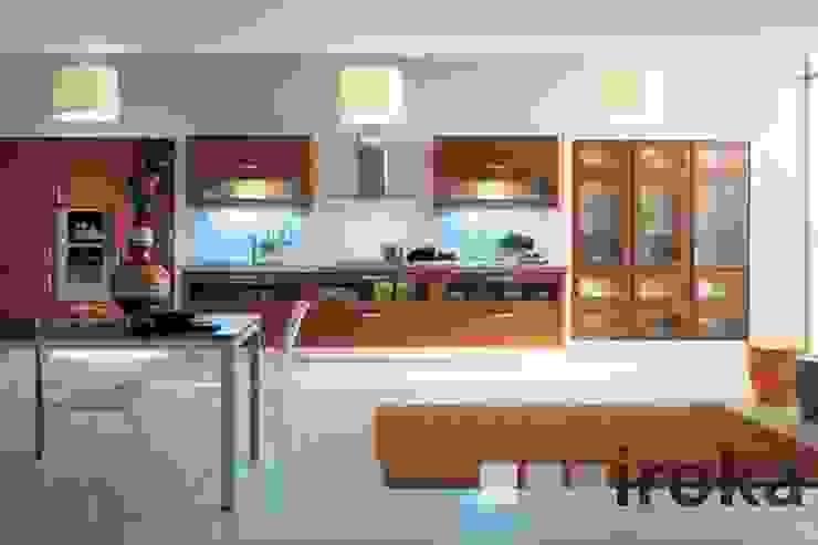 MOBILIARIO DE COCINA MODELO SOFIA: Cocinas de estilo  por IROKA