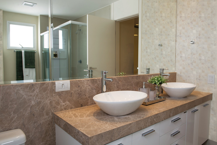 Banheiro Master Banheiros modernos por Renato Lincoln - Studio de Arquitetura Moderno