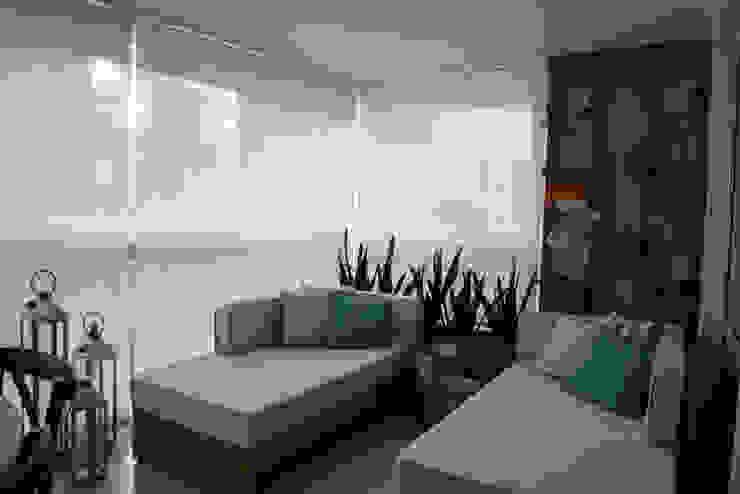 Terrace by Renato Lincoln - Studio de Arquitetura