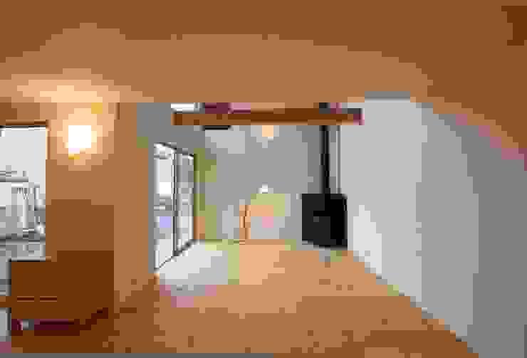 H邸 北欧デザインの リビング の 株式会社sum design 北欧