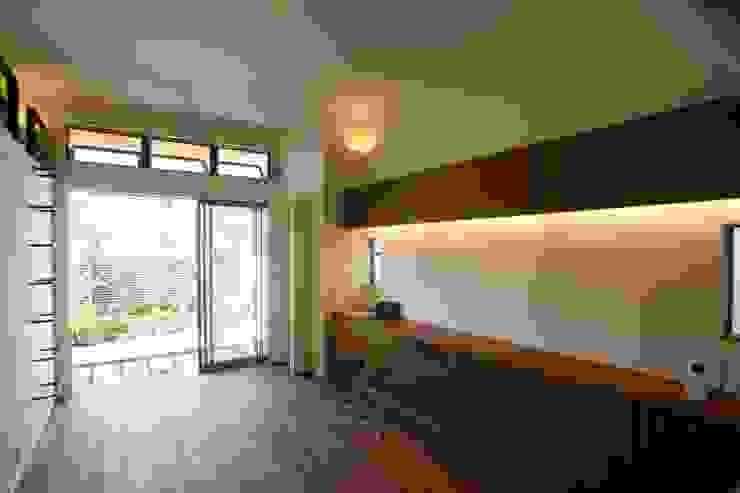 Sakurayama-Architect-Design Ruang Keluarga Gaya Eklektik